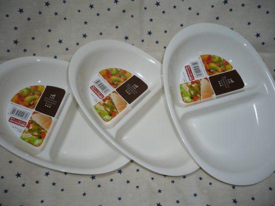 100均セリアの白いレンジ仕切り皿はサイズが大きくて便利!
